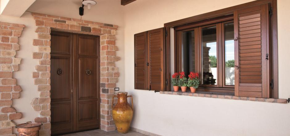 Finestre in legno rustiche jp22 regardsdefemmes - Costo finestre in legno ...